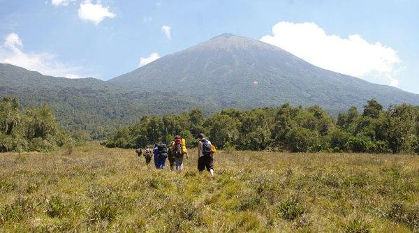 hiking-karisimbi-Rwanda